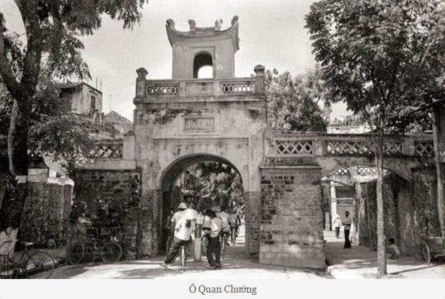 Cổng làng.
