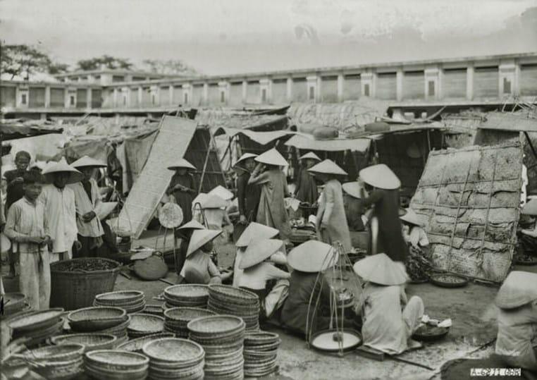 Ảnh hiếm chợ Đông Ba ở Cố đô Huế xưa
