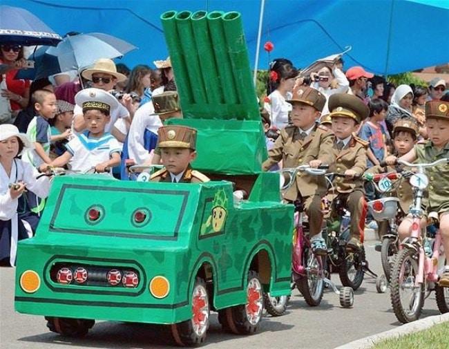 10 sự thật về thời thơ ấu của trẻ em Bắc Hàn