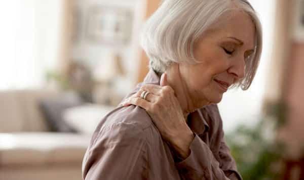5 cách đơn giản đẩy lùi đau nhức xương khớp trong mùa đông