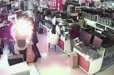 Người đàn ông cắn vào pin smartphone để kiểm tra, và nó phát nổ