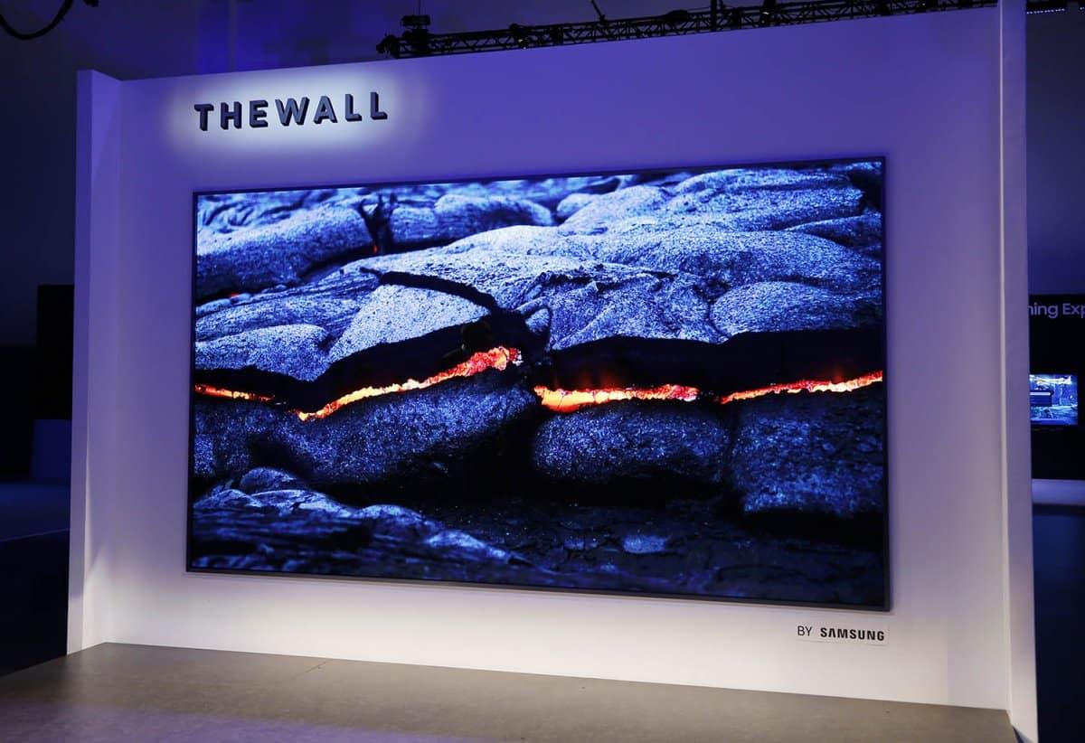 tv-the-wall-samsung-3