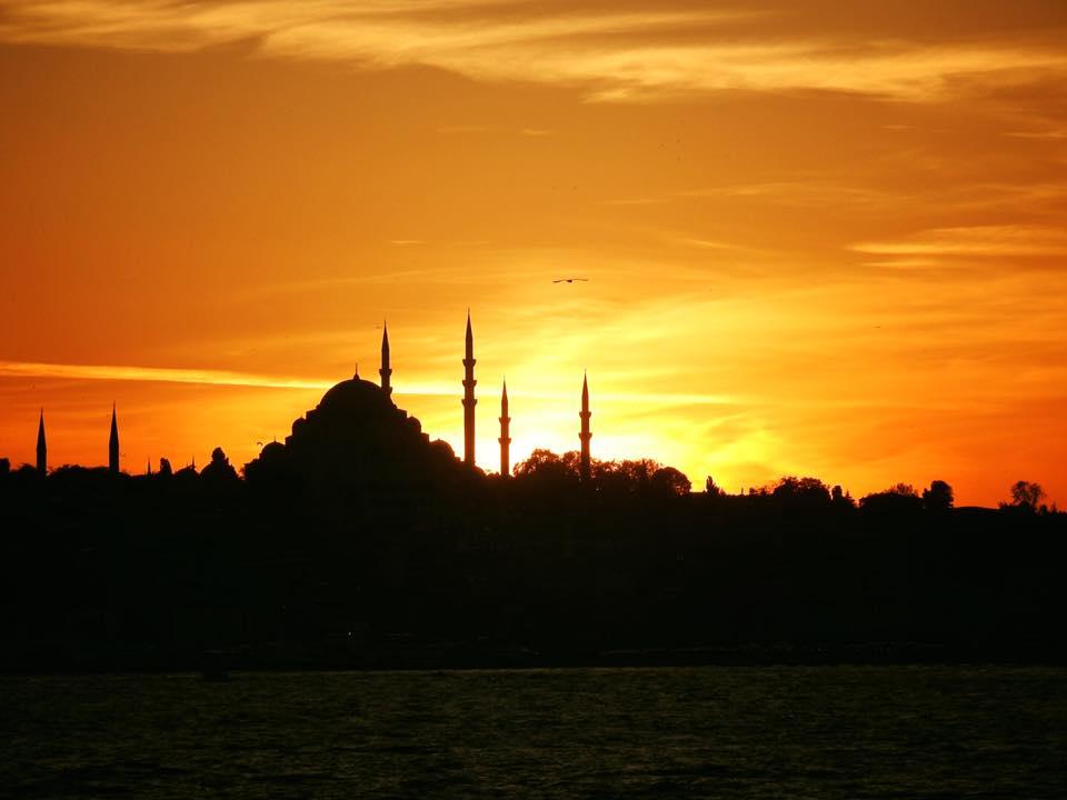 Ấn tượng hoàng hôn trên vịnh Bosporus