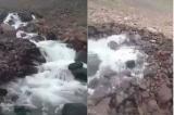 Con sông nhỏ kỳ lạ ở Ấn Độ chảy đến phân nửa bỗng không còn nước