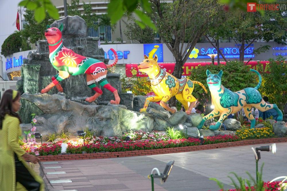 đường hoa Nguyễn Huệ