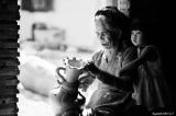 Tình yêu của nội vẫn luôn bình yên, nhẫn nại và ấm áp khó nhạt phai