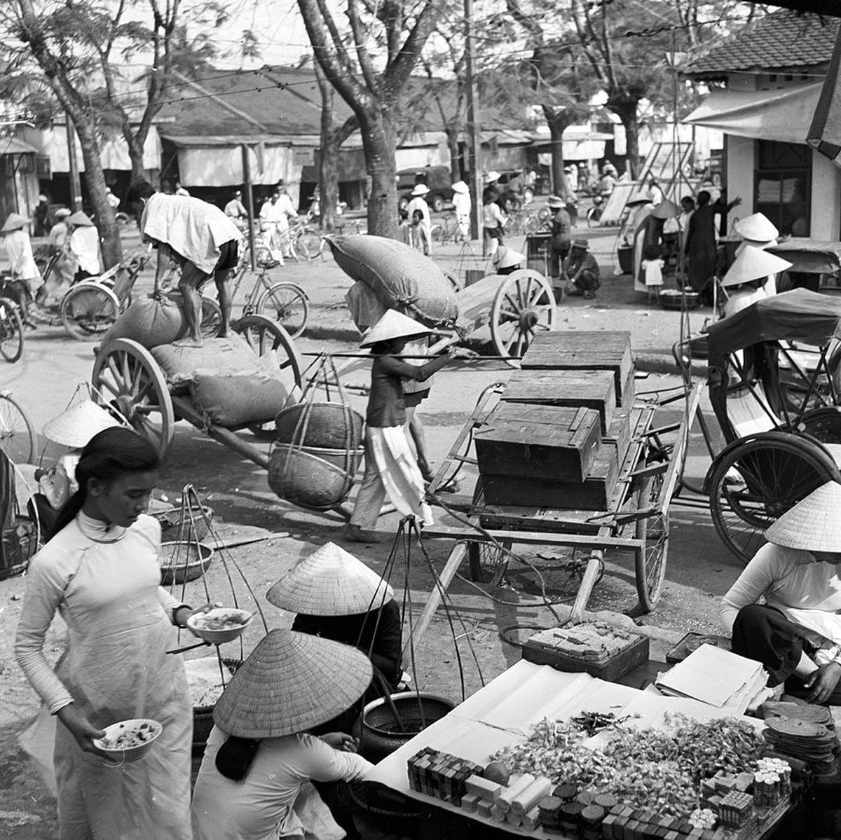 Chợ Đông Ba Huế