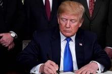Trump ký lệnh mới về cấm người chuyển giới tham gia quân đội