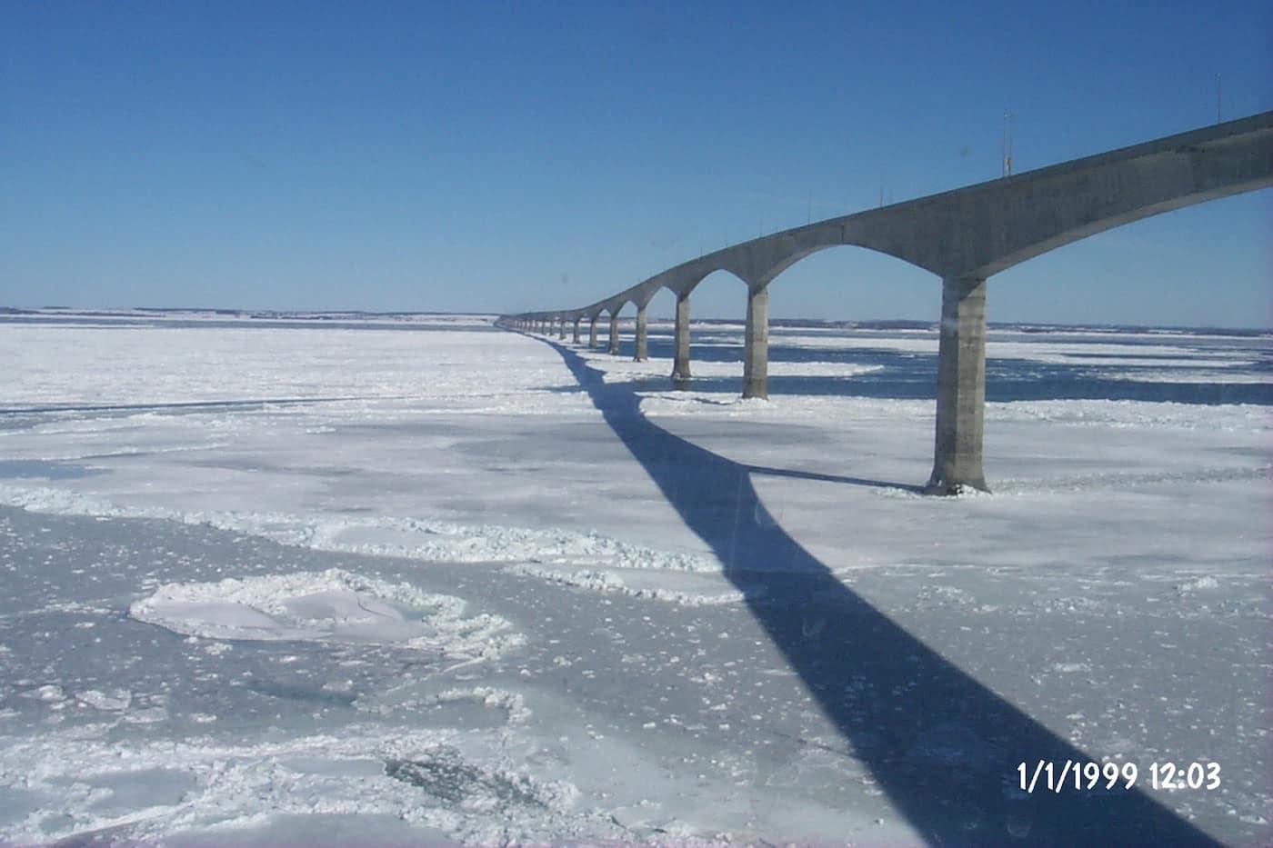 Cầu Confederation, Canada