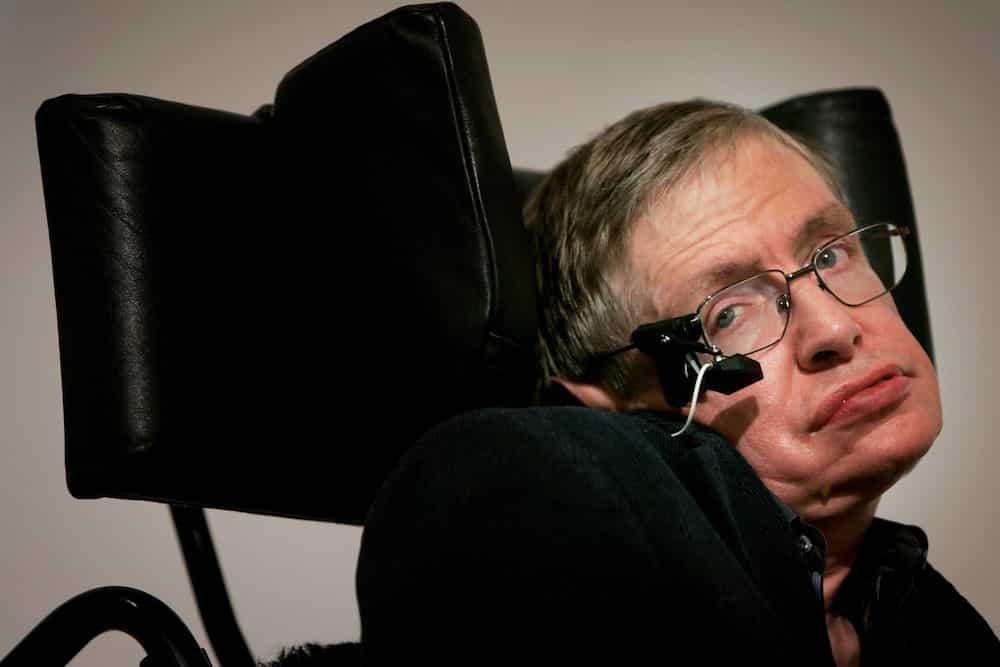 Stephen Hawking về tương lai nhân loại