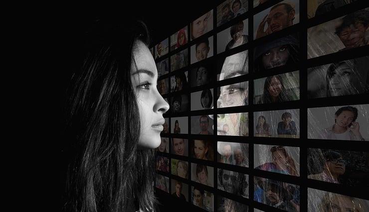 nghiện mạng xã hội