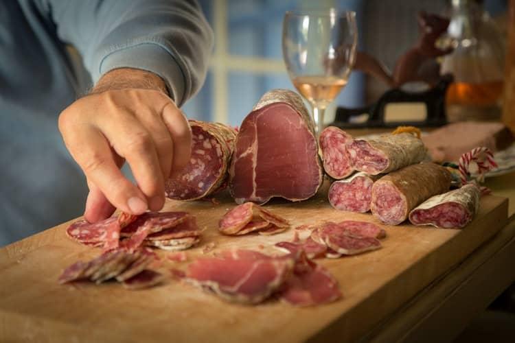15 loại thực phẩm không nên dùng khi bạn trên 40 tuổi