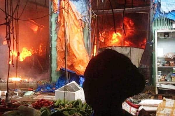 cháy chợ Sóc Sơn