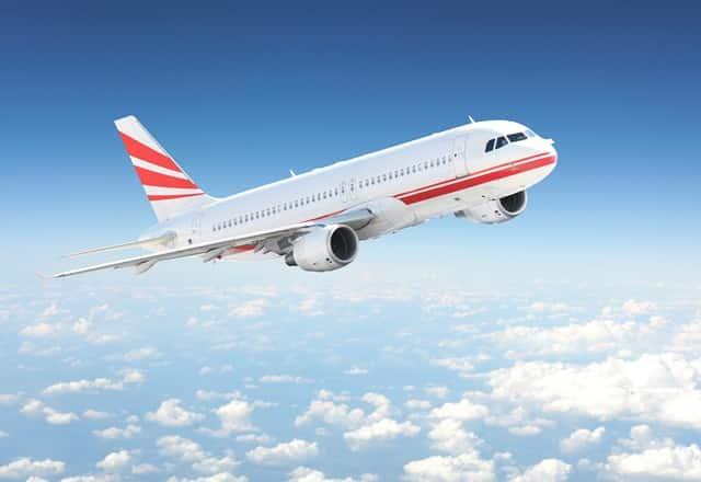 Điều gì sẽ xảy ra khi mở cửa máy bay lúc đang bay?