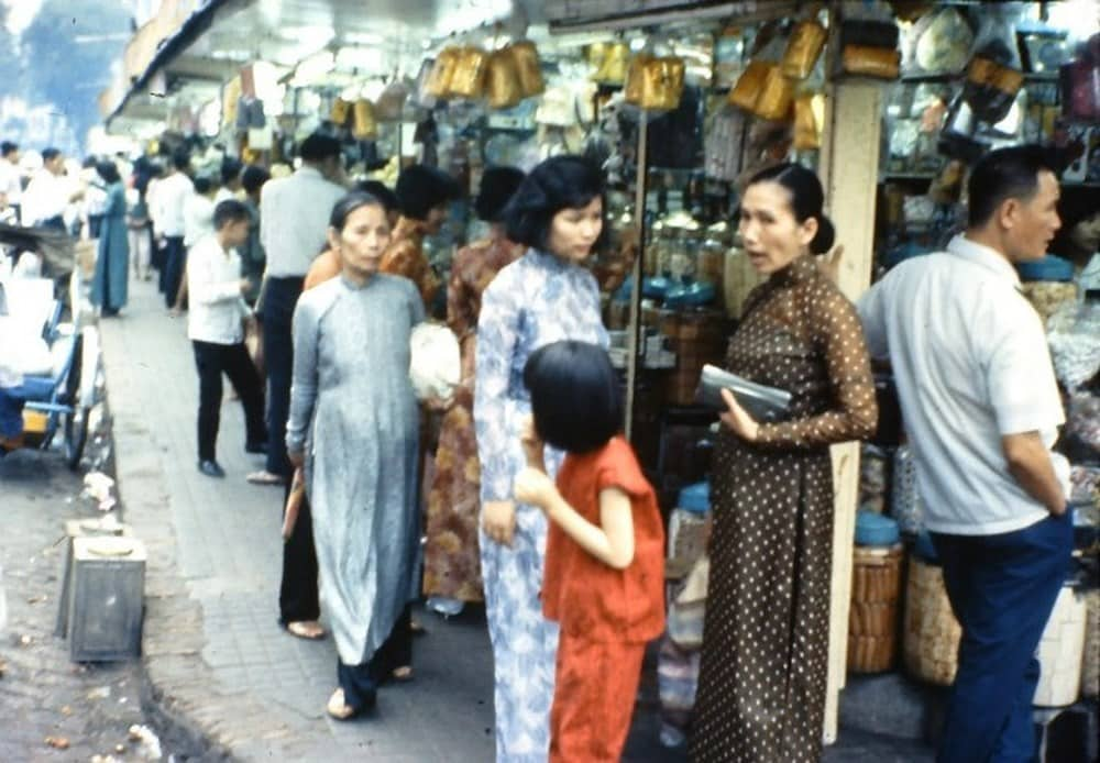 Chuyện thầy Hai, con Tám Sài Gòn xưa