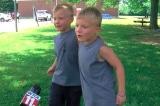 Cứu người không bao giờ là quá sớm: Cặp song sinh 6 tuổi cứu cô bé 3 tuổi