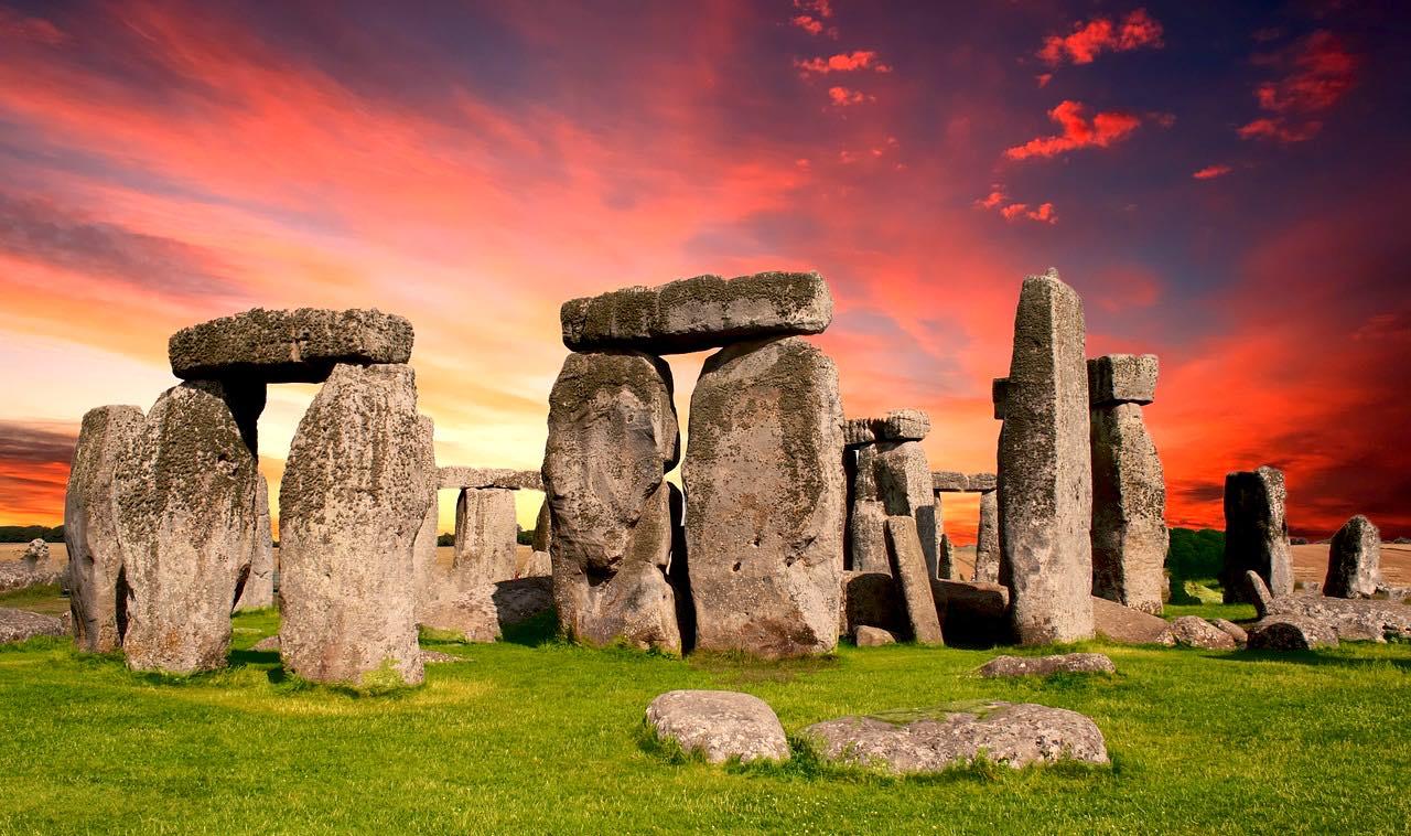 stonehenge-pixabay