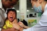 Trung Quốc: 145 trẻ bị uống phải vắc-xin quá hạn