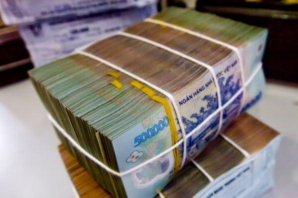 Thu ngân sách cán mốc 1 triệu tỷ đồng, vẫn thâm hụt 42.200 tỷ sau 10 tháng