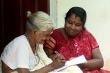 Cụ bà Ấn Độ 96 tuổi vẫn học tiểu học