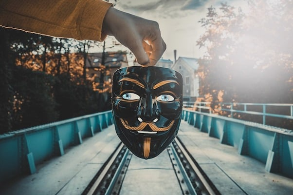 mask-3579320_1920