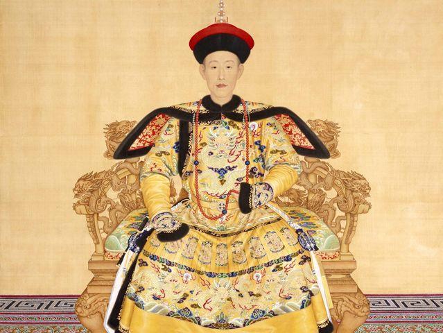 Bí quyết trường thọ của Hoàng đế Càn Long: Nuốt nước bọt hàng ngày