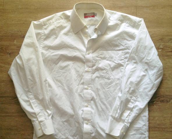 Cách mà cậu bé nghèo bán được cái áo cũ với giá 200 đô la
