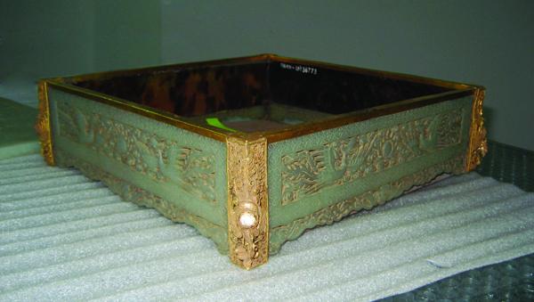 Bộ đồ ăn trầu bằng ngọc trong hoàng cung triều Nguyễn