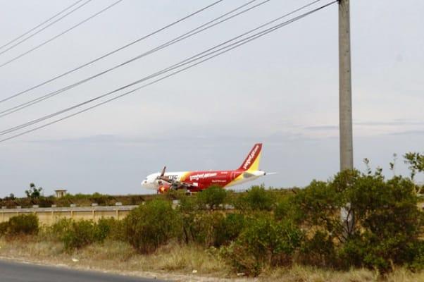 Sân bay Cam Ranh xuống cấp trầm trọng