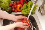 Bạn đã rửa rau củ quả đúng cách để loại bỏ dư lượng thuốc trừ sâu?
