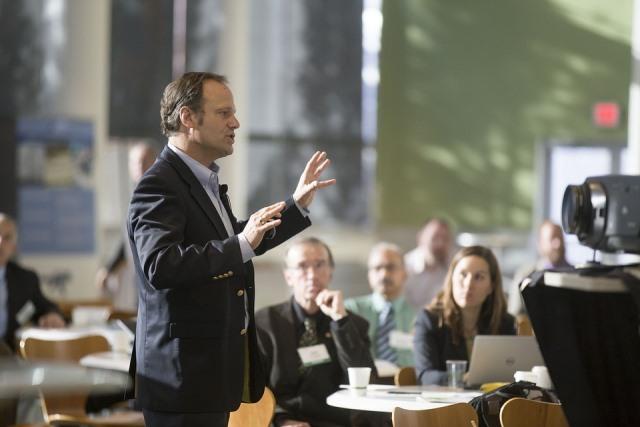 Bí quyết để gia tăng sự tự tin thuyết trình trước đám đông