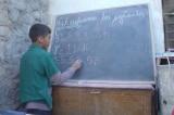 Cậu bé 12 tuổi mở trường vừa làm hiệu trưởng vừa làm giáo viên