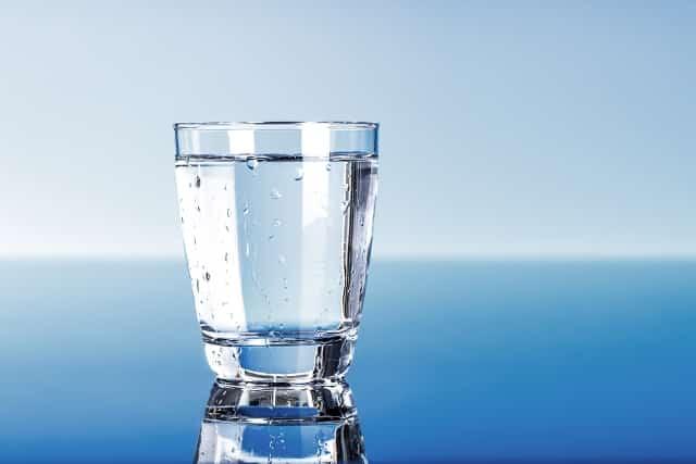 Sức nặng của một ly nước