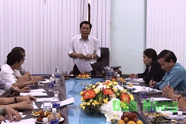 chủ tịch đắk nông bị khiển trách