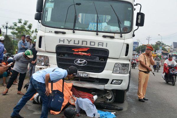 Tai nạn thảm khốc ở Long An: 'Những kẻ vô can'