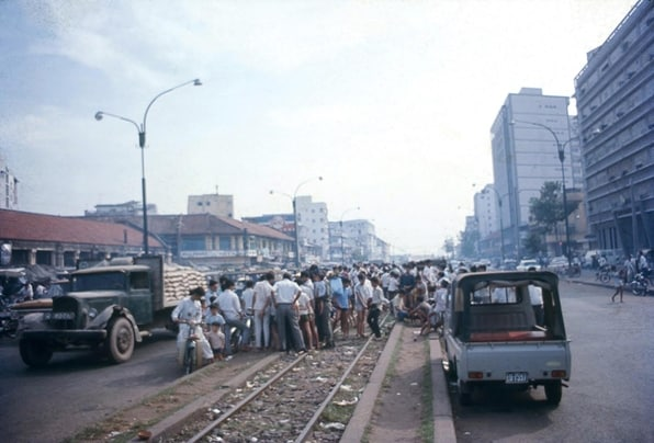 khu vực buôn bán sầm uất xung quanh của chợ Bến Thành cũ