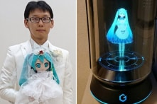 Người đàn ông Nhật tuyên bố kết hôn với một ảo ảnh hologram