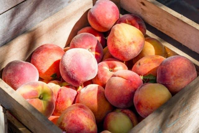 Mẹo để mua được hoa quả chín mà không cần cắt ra ăn thử