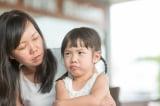 Thói quen ngôn ngữ kỳ lạ khi dạy con của người Việt