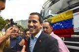 Guaido và hơn 80 nghị sĩ tới biên giới áp tải hàng viện trợ vào Venezuela