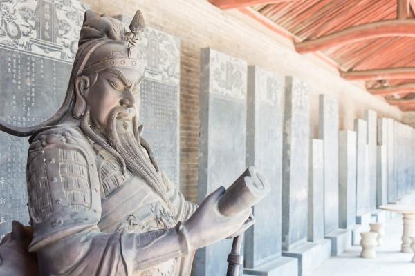 Kẻ hành ác dẫu thắp hương bái Thần Phật, đại hoạ vẫn giáng xuống