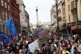London: Hàng trăm nghìn người tuần hành yêu cầu tổ chức lại trưng cầu Brexit