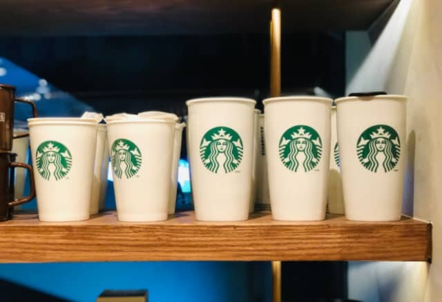 Starbucks sẽ thử nghiệm dùng ly cà phê có thể tái chế