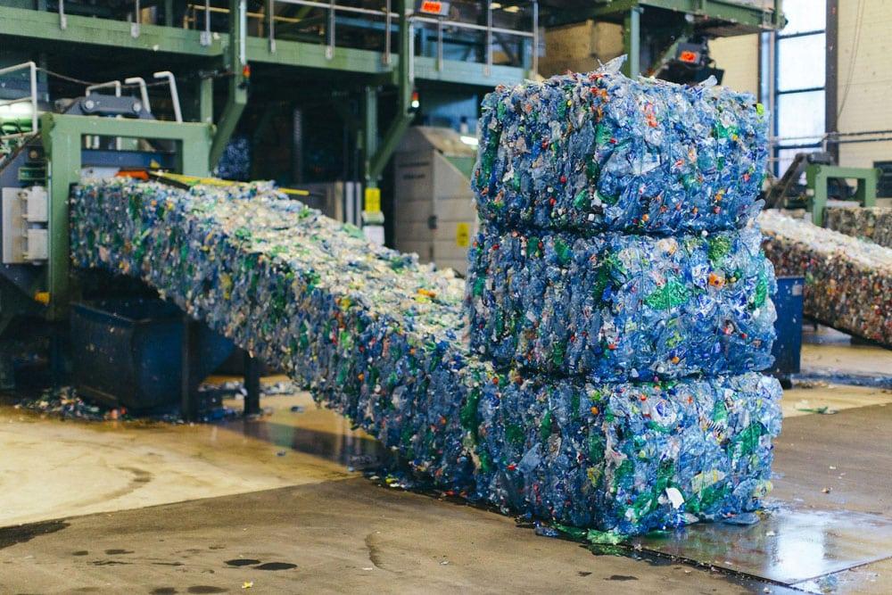 Na Uy tái chế 97% chai nhựa