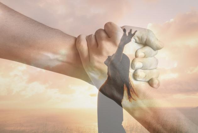 Bốn việc cần cân nhắc kỹ trước khi giúp đỡ người khác