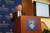 Học giả Mỹ: Kinh tế TQ đi xuống là do quyết sách gây ra