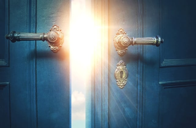 Cánh cửa không bao giờ khóa