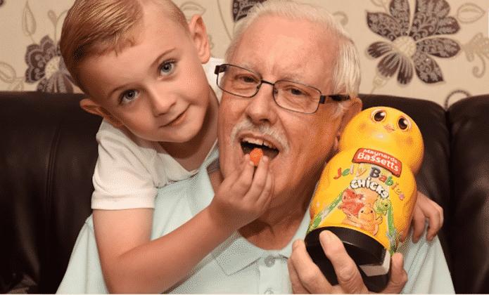 Cậu bé 6 tuổi thông minh cứu sống ông nội bị tiểu đường