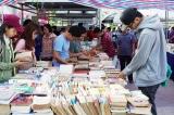 Người Việt đọc bình quân 1 quyển sách/năm, nhưng dành 4 tiếng/ngày cho Facebook