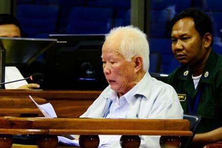 Trang sử theo thực đơn: Khmer đỏ và mạch sống Trung Quốc